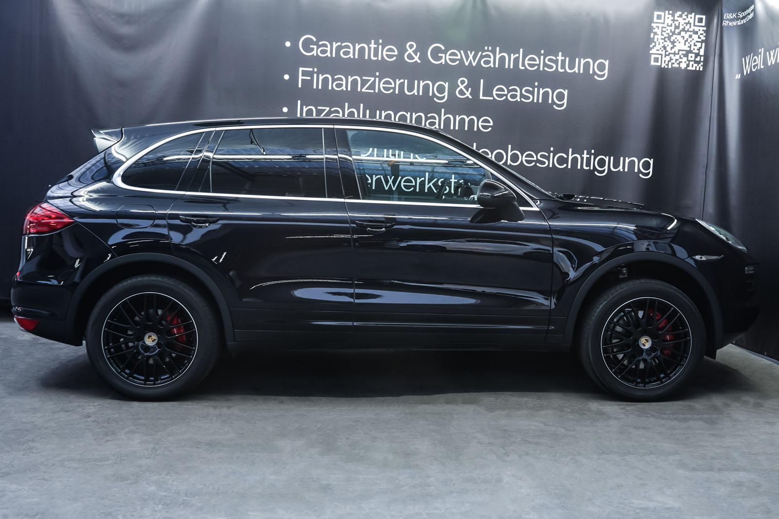 Porsche_CayenneS_Schwarz_Schwarz_POR-2086_16_w