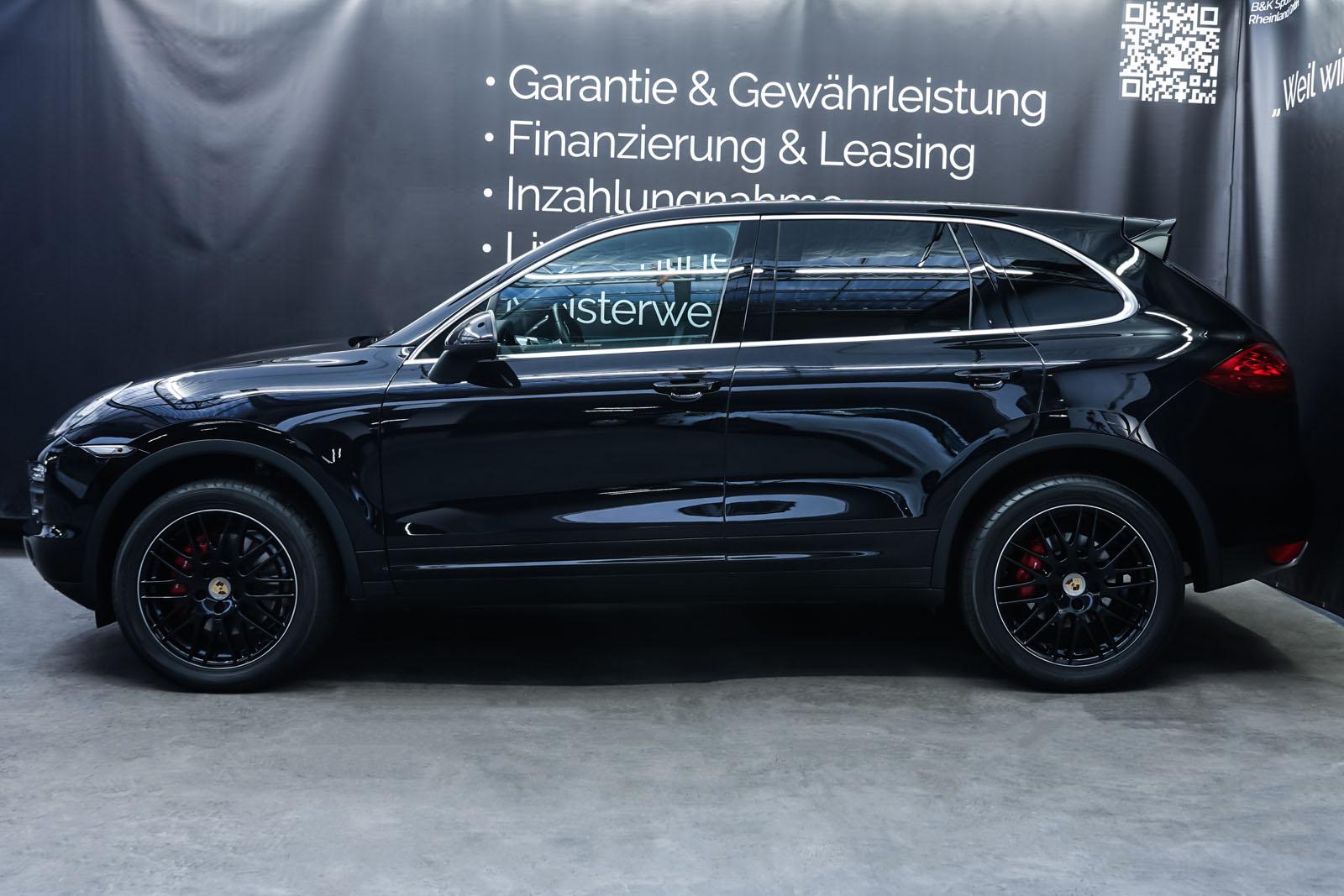 Porsche_CayenneS_Schwarz_Schwarz_POR-2086_5_w