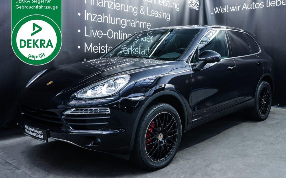 Porsche_CayenneS_Schwarz_Schwarz_POR-2086_Plakette_w