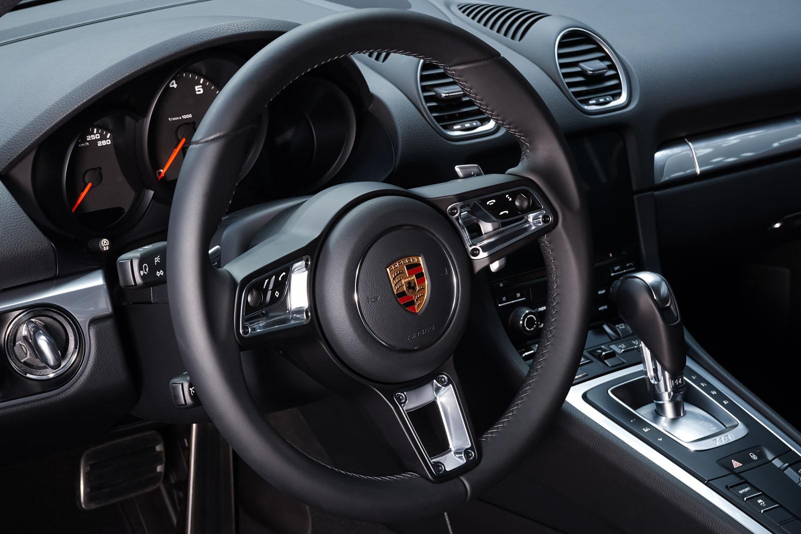 Porsche_718_Cayman_Silber_Schwarz_POR-0223_9_w
