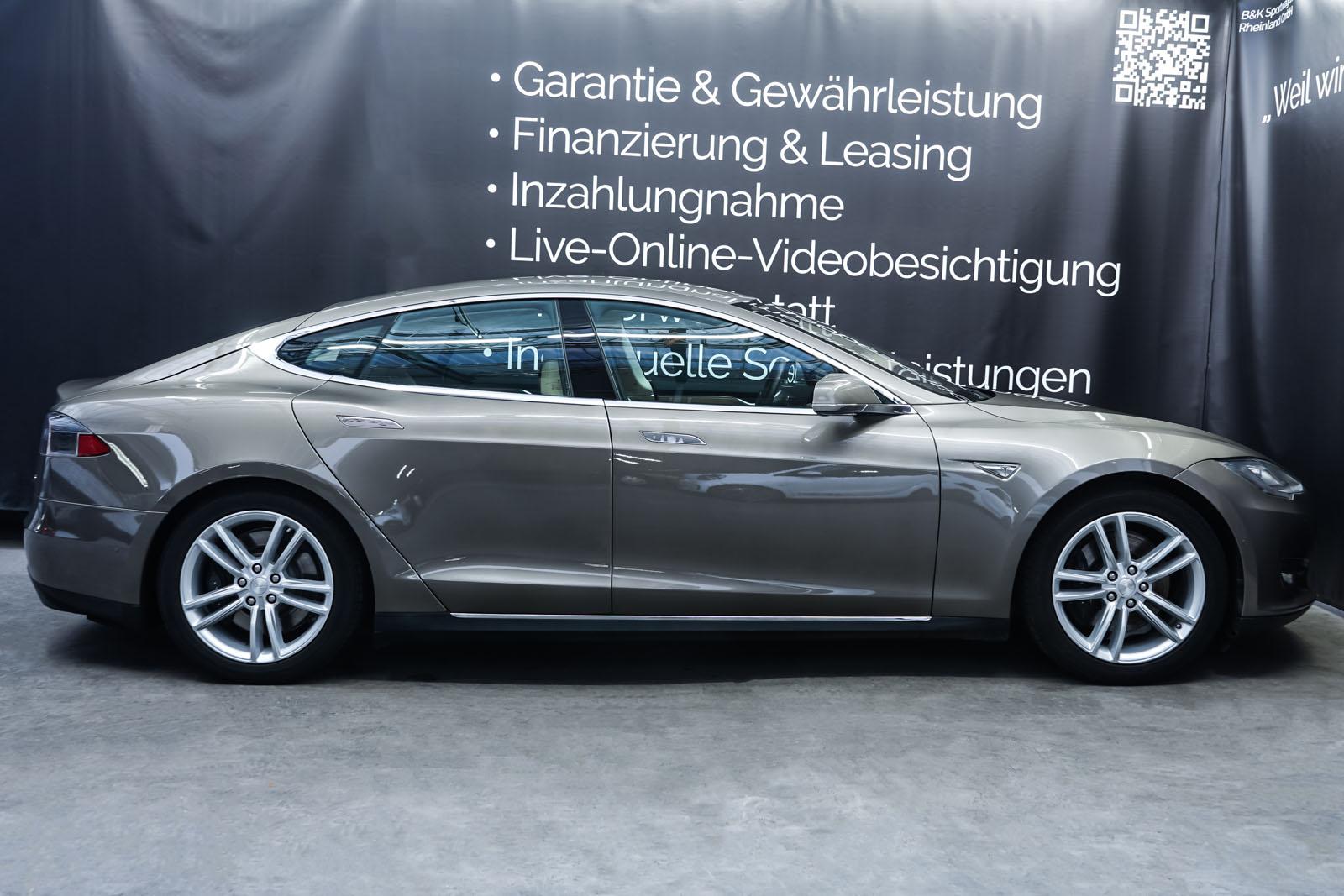 Tesla_ModelS85D_TitaniumMetallic_Beige_Tes-2897_15_w