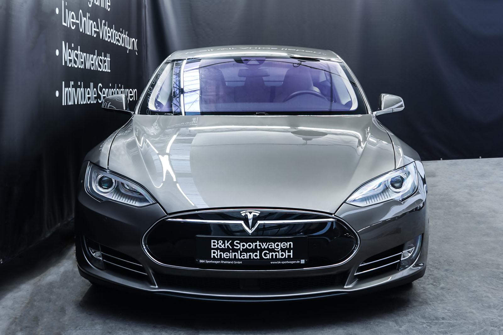 Tesla_ModelS85D_TitaniumMetallic_Beige_Tes-2897_1_w