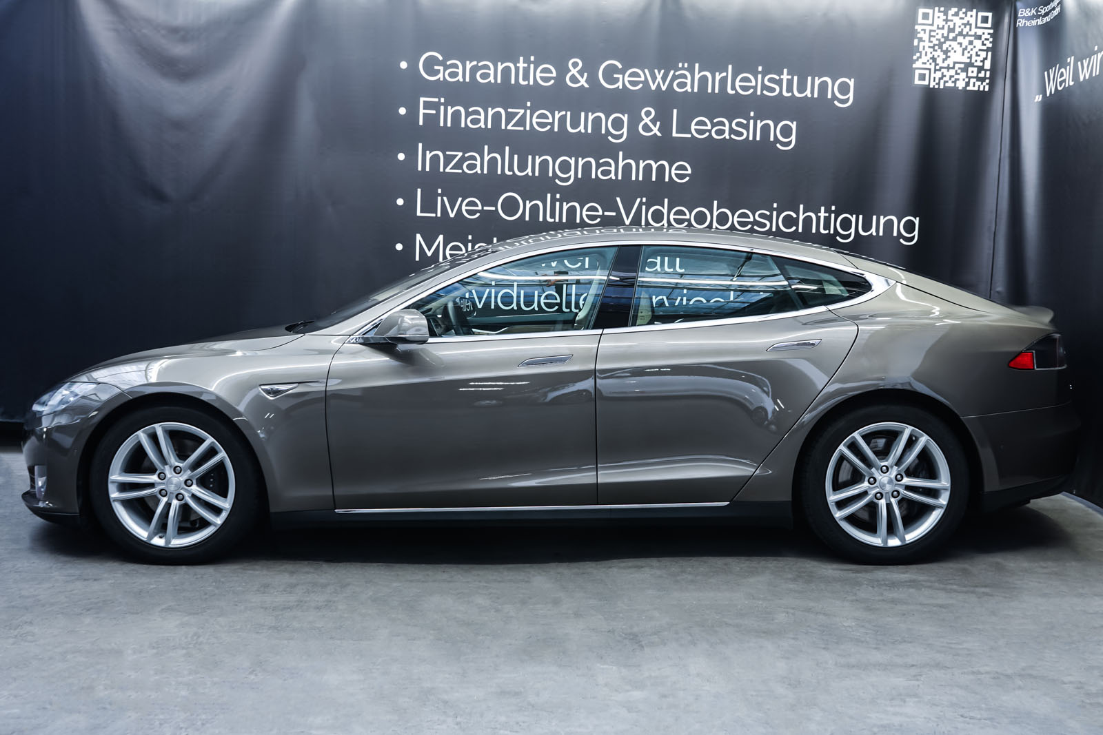 Tesla_ModelS85D_TitaniumMetallic_Beige_Tes-2897_5_w