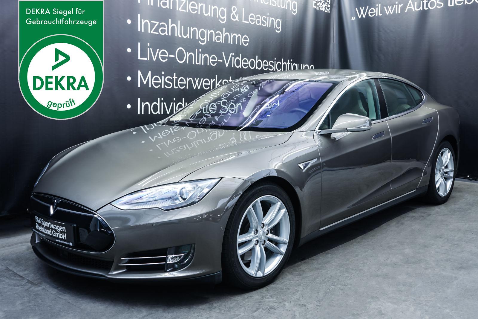Tesla_ModelS85D_TitaniumMetallic_Beige_Tes-2897_Plakette_w