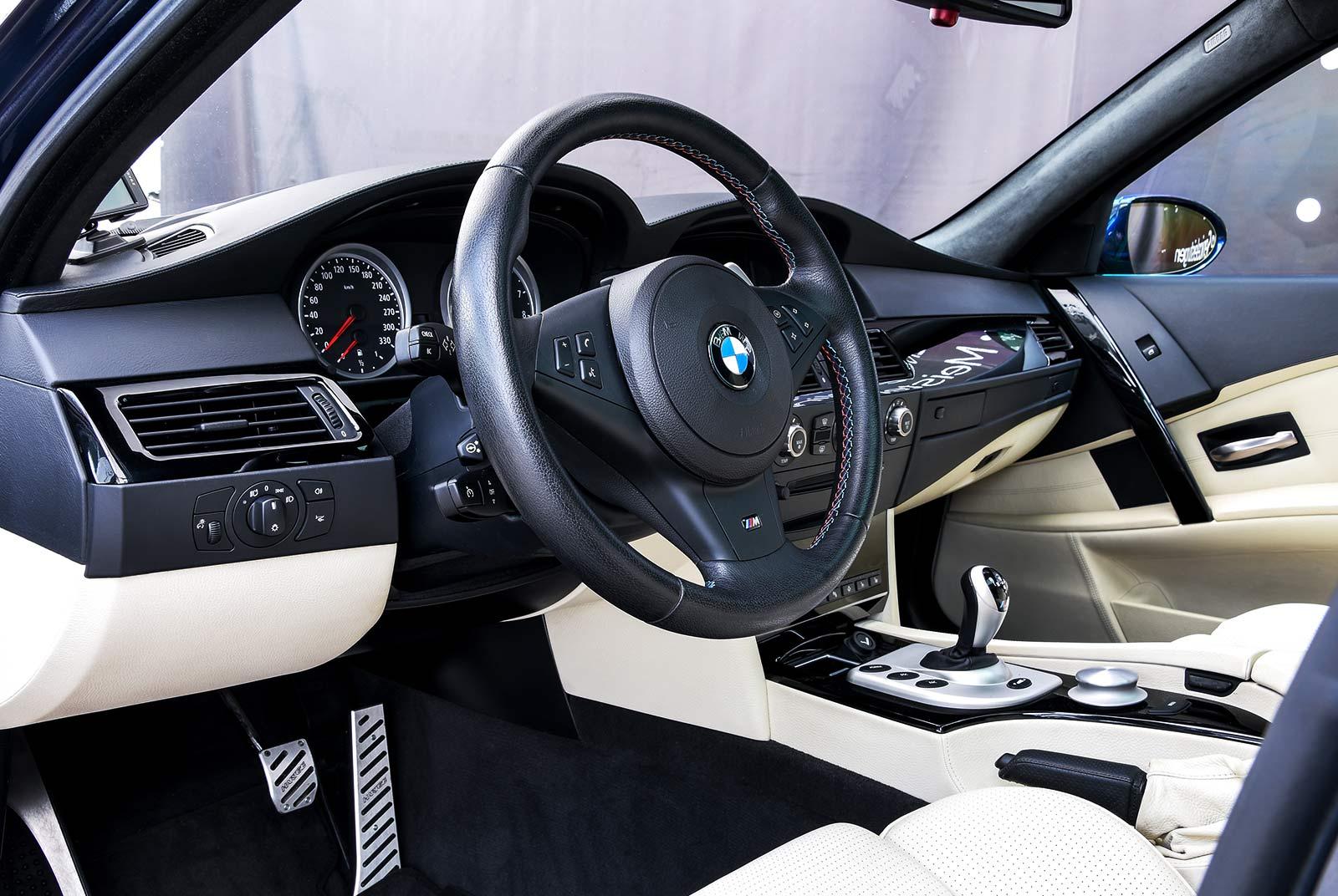 bmw_m_5_blaulila_creme_BMW-2353_09