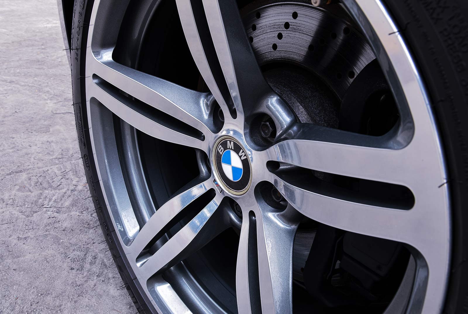 bmw_m_5_blaulila_creme_BMW-2353_19