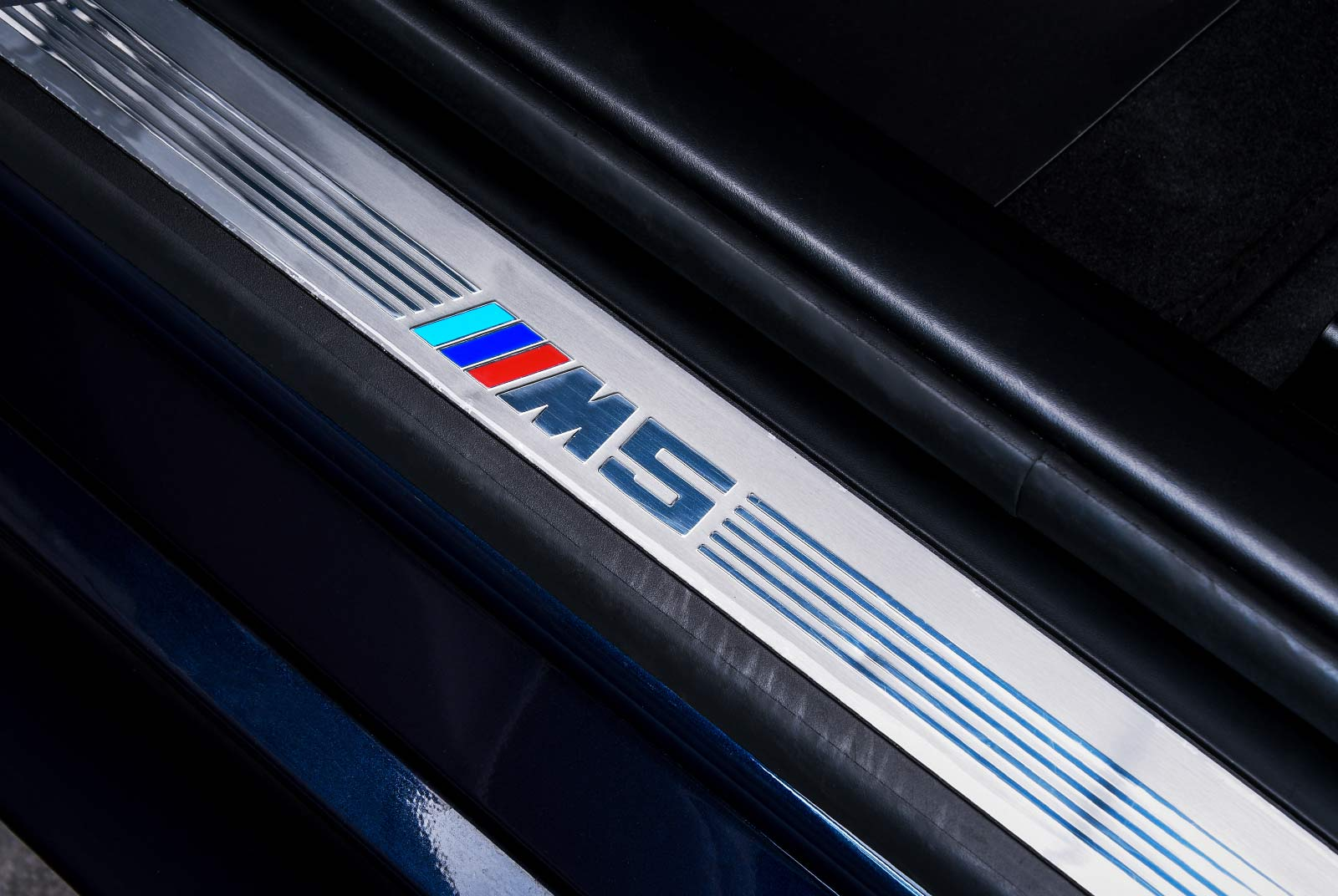 bmw_m_5_blaulila_creme_BMW-2353_21