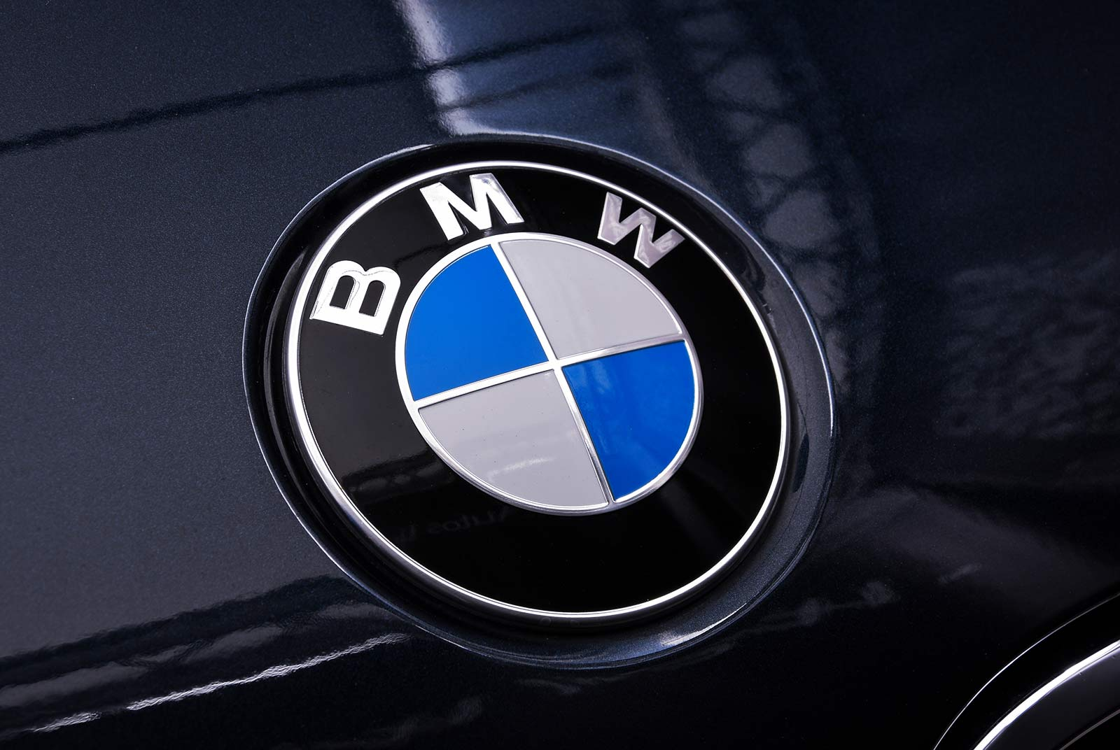 11bmw_m_5_blaulila_creme_BMW-2353_22