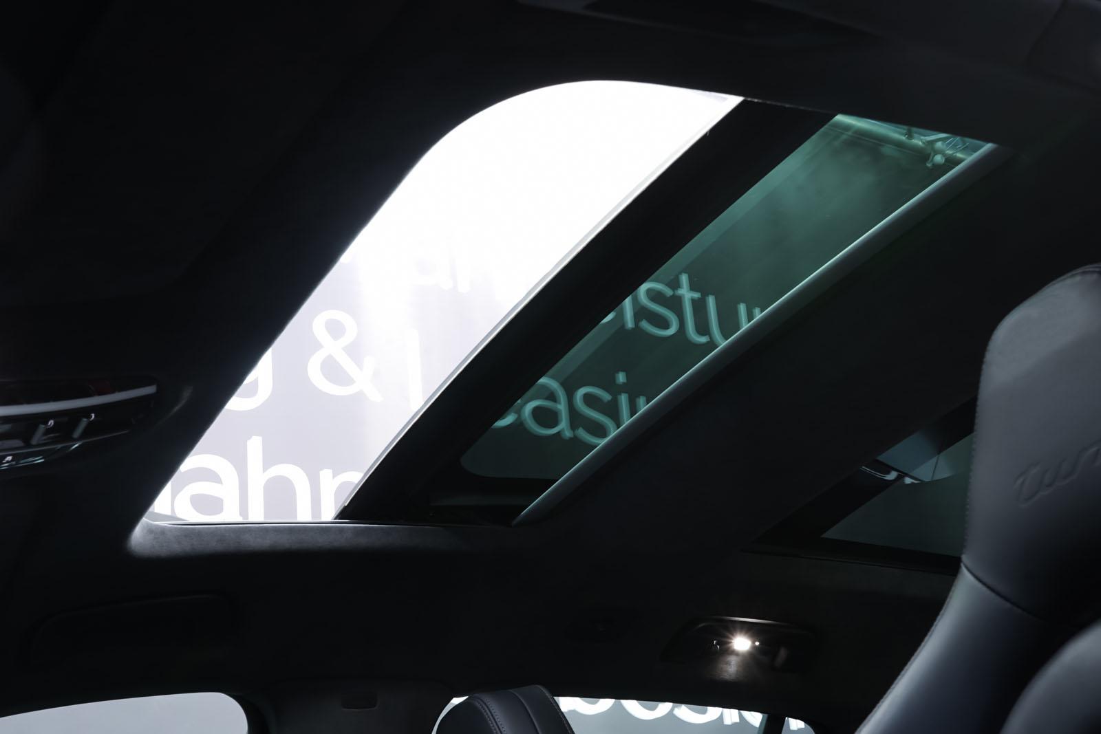Porsche_Panamera_SportTurismo_Turbo_Schwarz_Schwarz_POR-5145_11_w