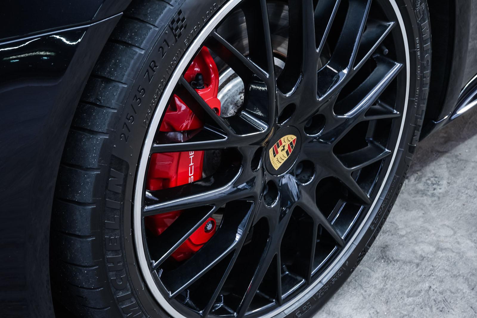 Porsche_Panamera_SportTurismo_Turbo_Schwarz_Schwarz_POR-5145_13_w