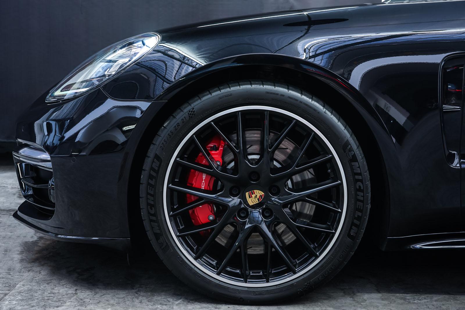 Porsche_Panamera_SportTurismo_Turbo_Schwarz_Schwarz_POR-5145_3_w