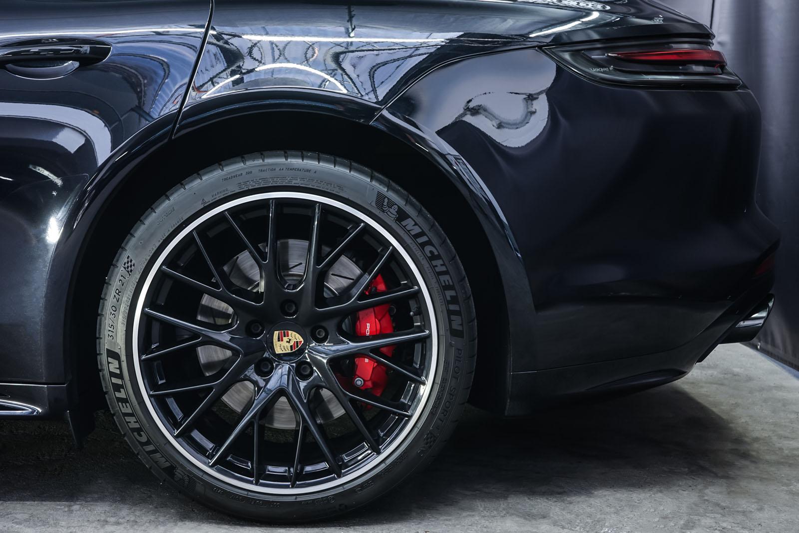Porsche_Panamera_SportTurismo_Turbo_Schwarz_Schwarz_POR-5145_4_w