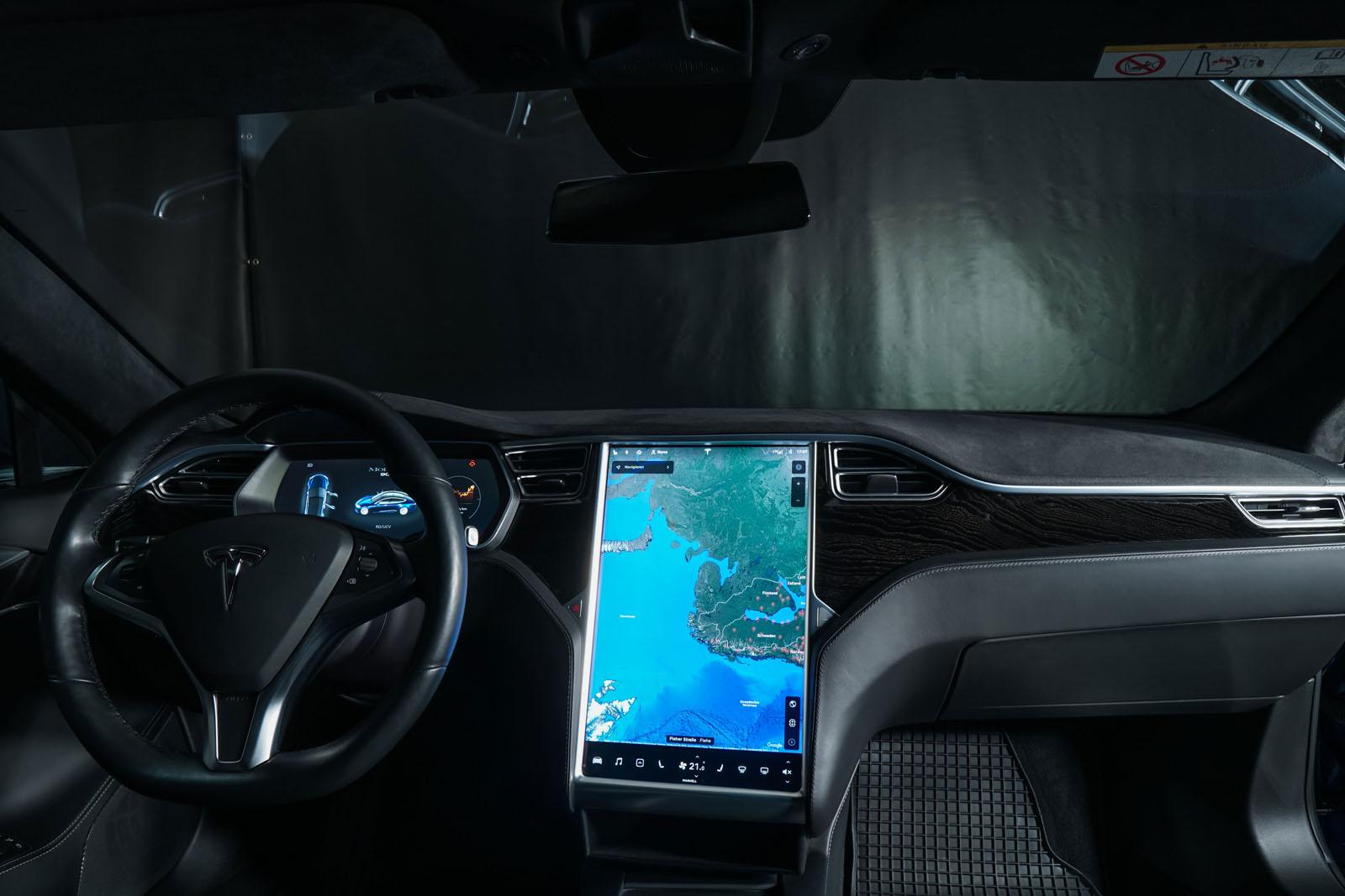 Tesla_ModelS_90D_Blau_Schwarz_Tes-0513_16_w