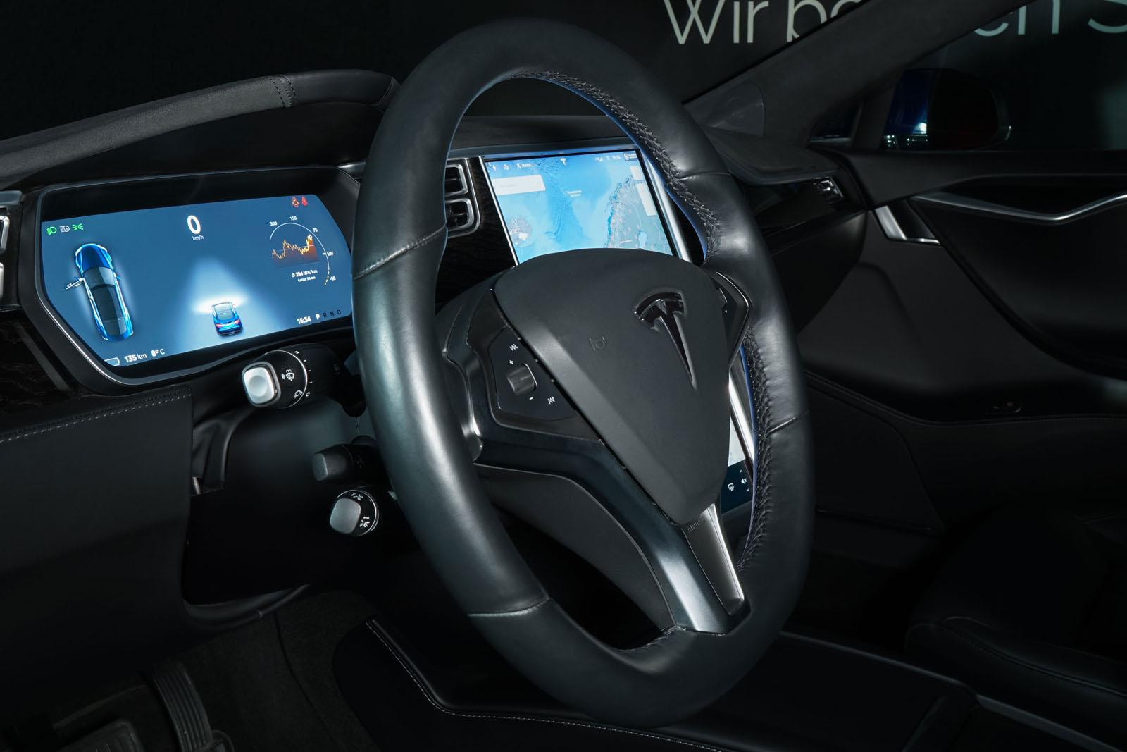 Tesla_ModelS_90D_Blau_Schwarz_Tes-0513_8_w