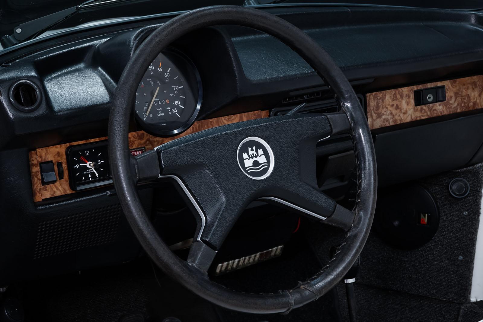VW_Käfer_Cabrio_Weiß_Weiß_VW-3481_10_w