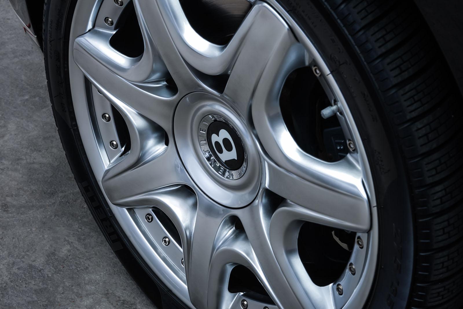 Bentley_Continental_GT_Schwarz_Beige_BEN-1159_10_w