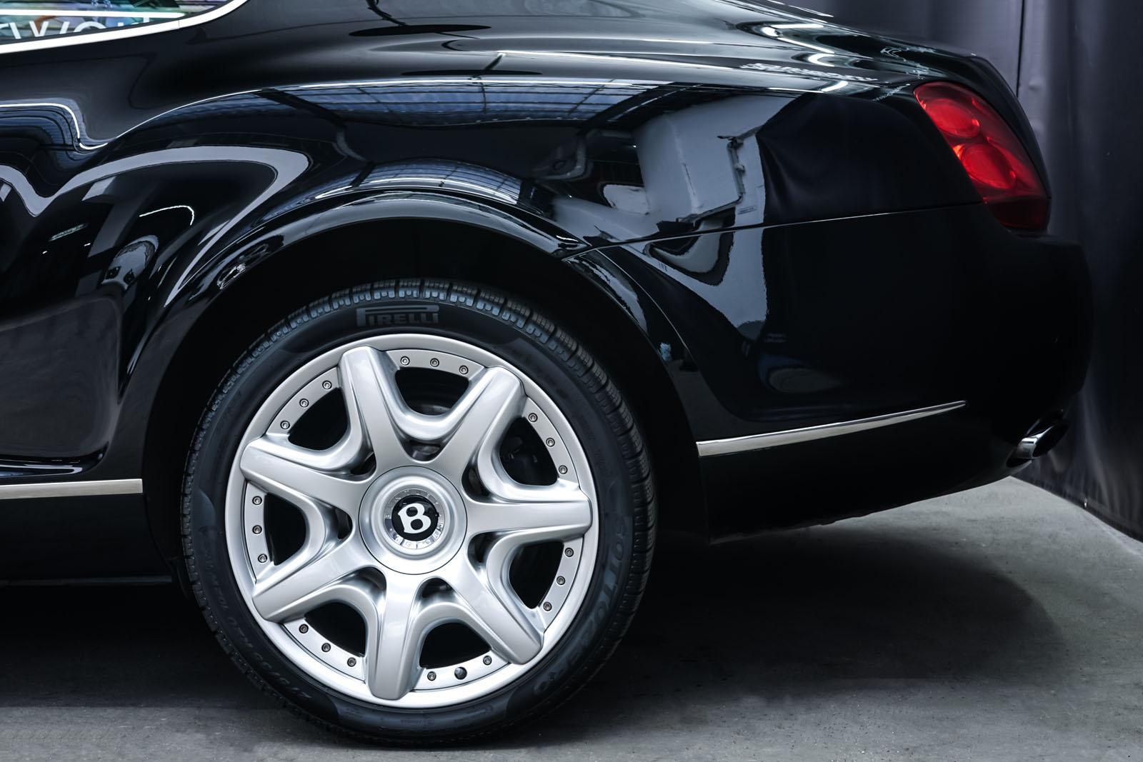 Bentley_Continental_GT_Schwarz_Beige_BEN-1159_4_w