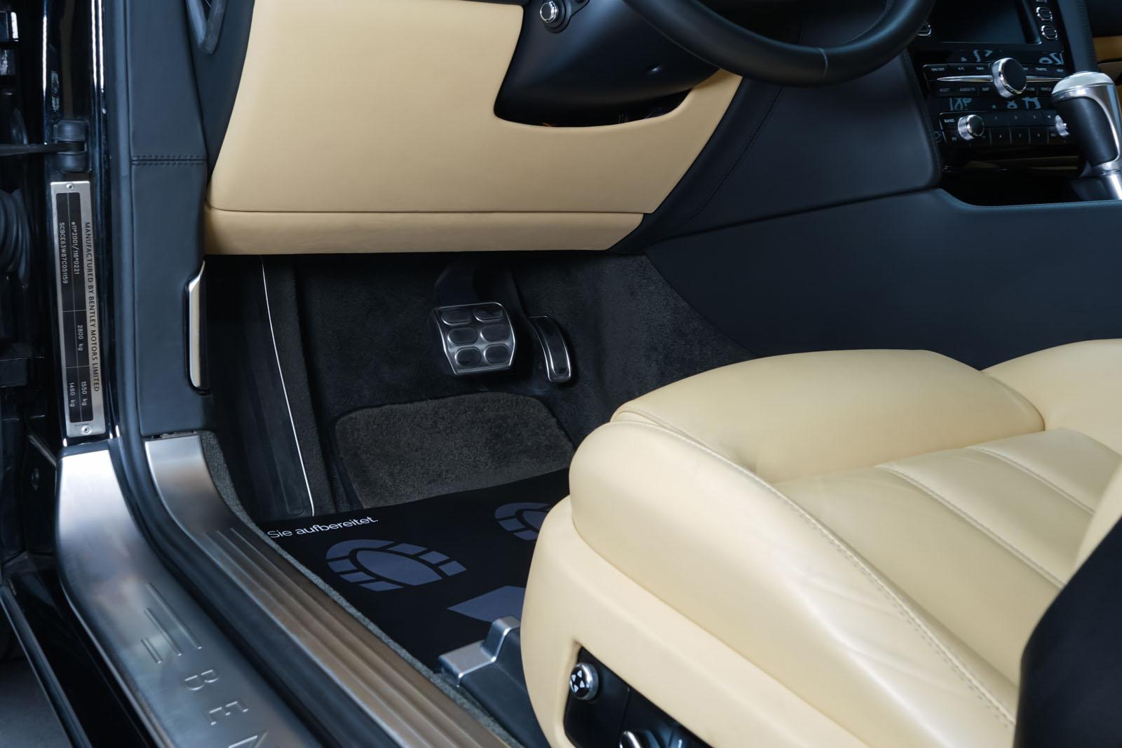 Bentley_Continental_GT_Schwarz_Beige_BEN-1159_7_w