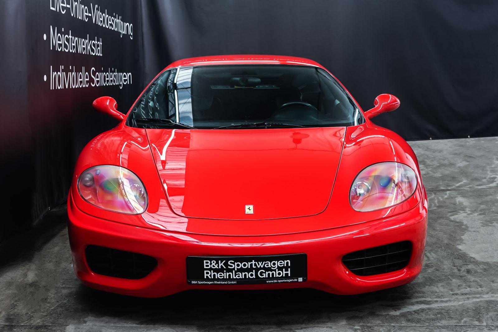 Ferrari_360_Modena_Rot_Schwarz_FER-4576_1_w