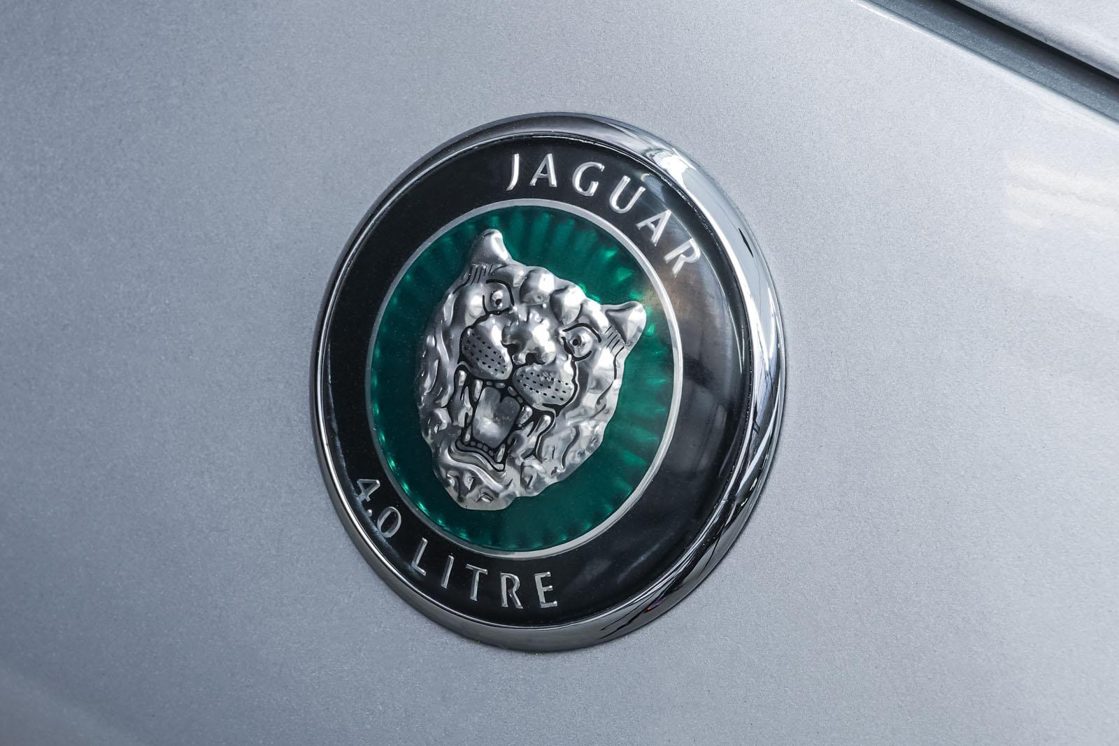 Jaguar_XK8_4.0_Silber_Schwarz_JAG-9731_13_w