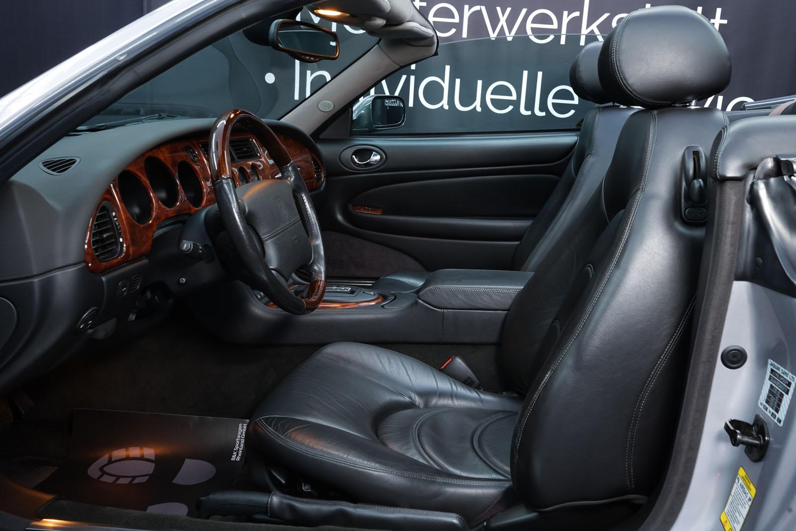 Jaguar_XK8_4.0_Silber_Schwarz_JAG-9731_8_w