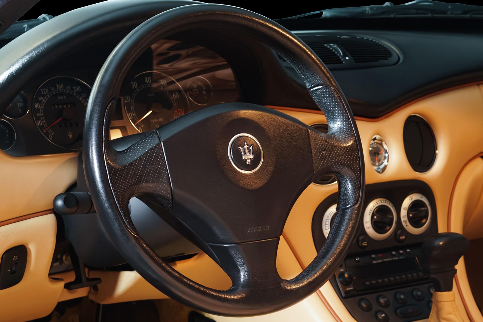 Maserati_3200_GTA_Grau_Beige_MAS-0874_10_w