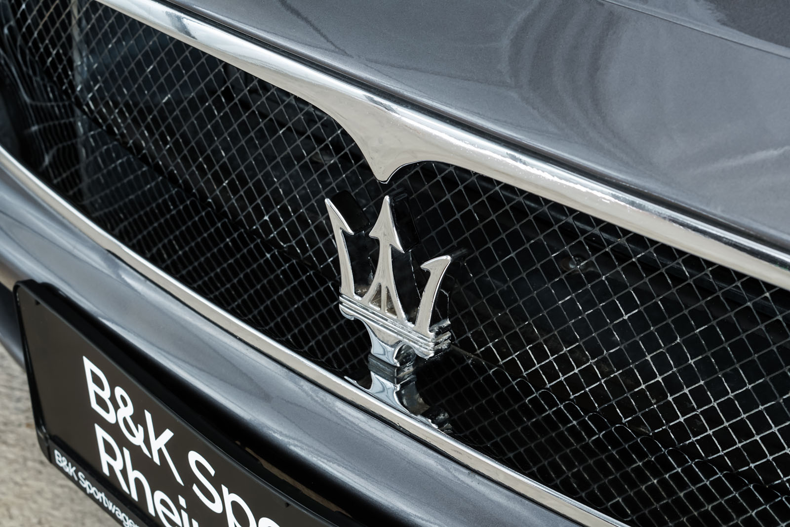 Maserati_3200_GTA_Grau_Beige_MAS-0874_12_w