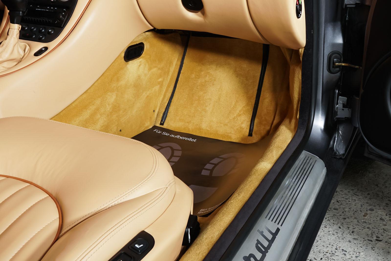 Maserati_3200_GTA_Grau_Beige_MAS-0874_17_w