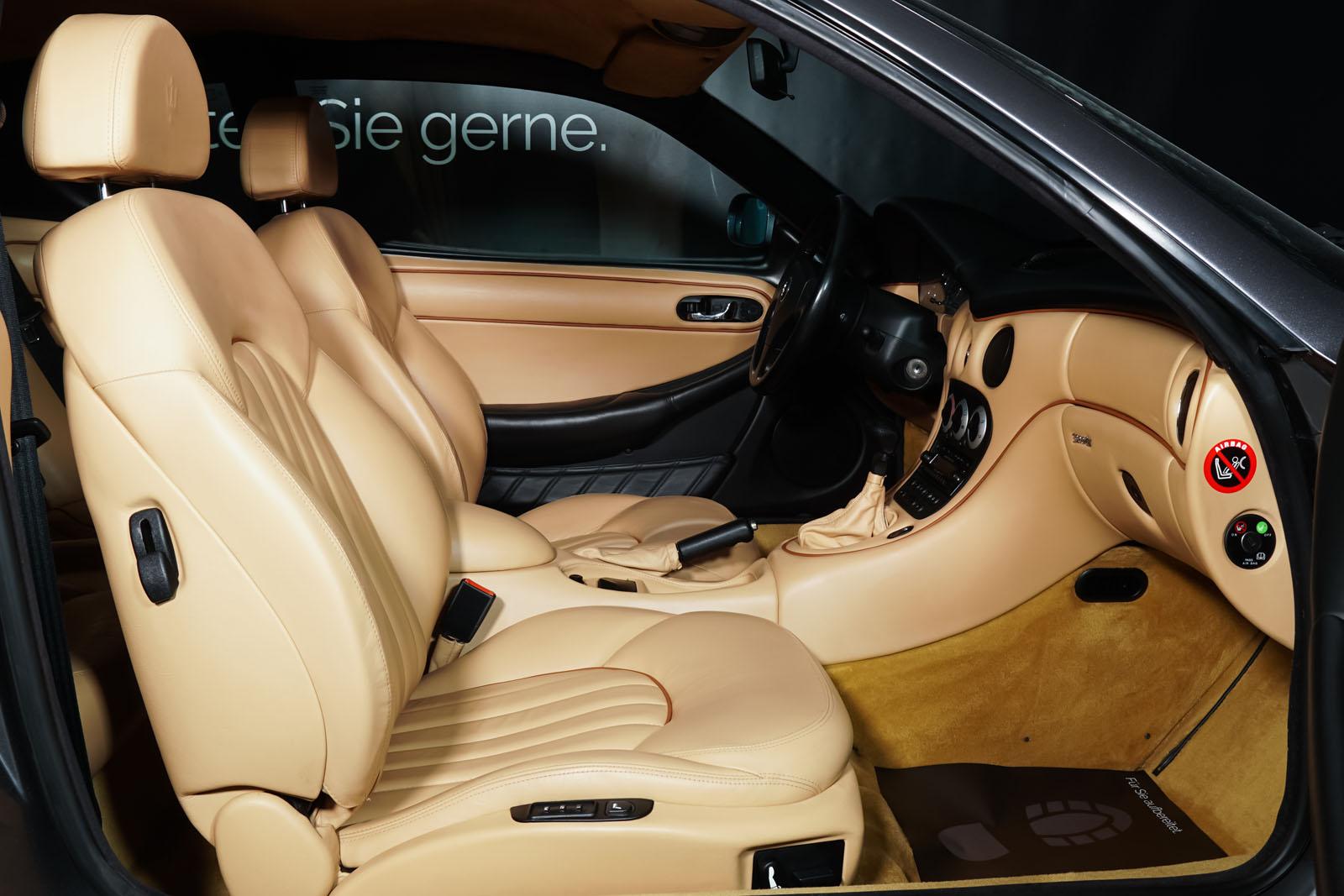 Maserati_3200_GTA_Grau_Beige_MAS-0874_18_w