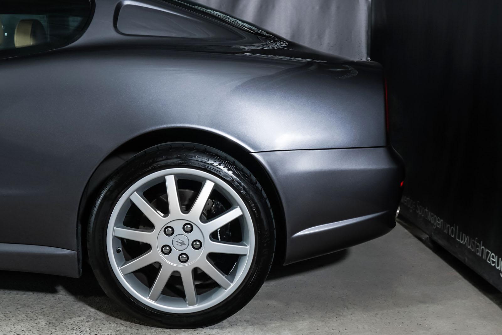 Maserati_3200_GTA_Grau_Beige_MAS-0874_4_w