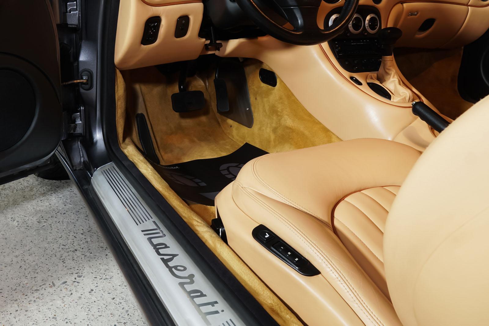 Maserati_3200_GTA_Grau_Beige_MAS-0874_6_w