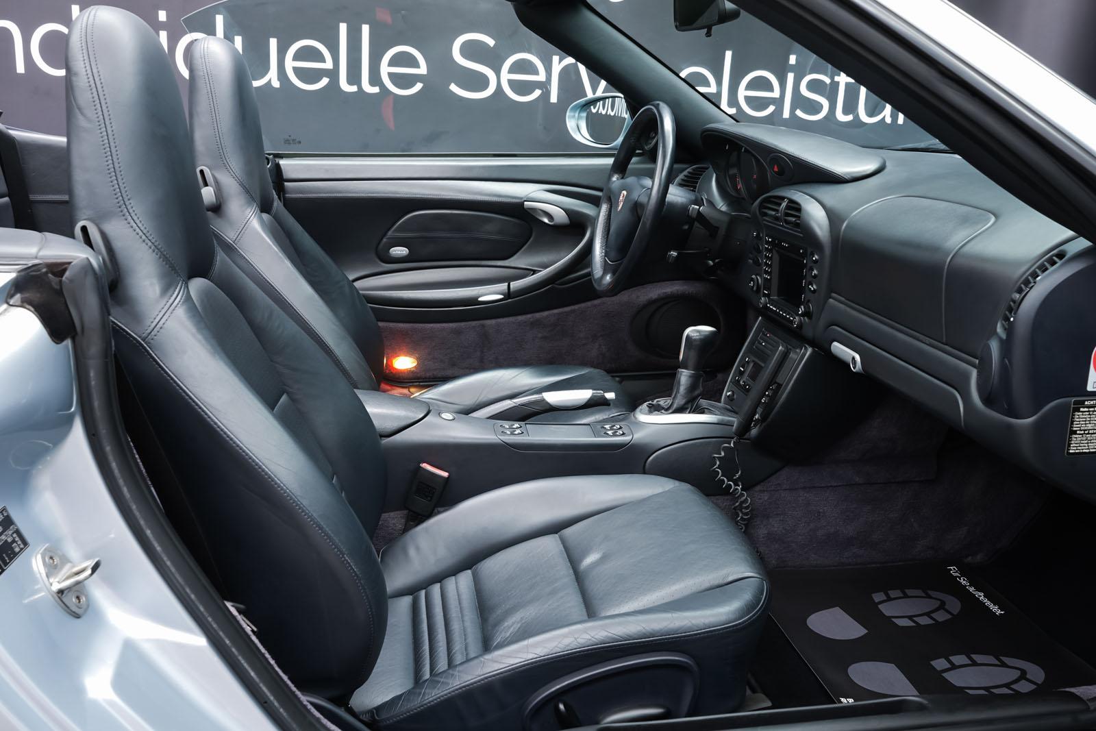 Porsche_996_Cabrio_Silber_Dunkelblau_POR-1724_13_w