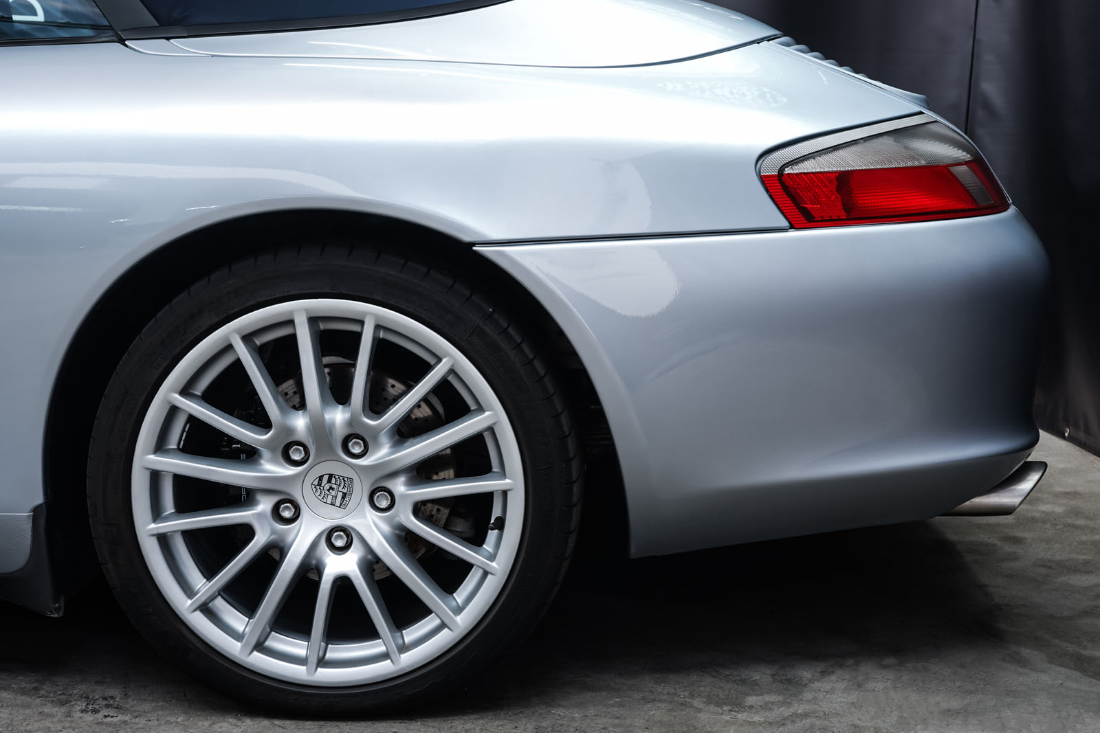Porsche_996_Cabrio_Silber_Dunkelblau_POR-1724_4_w