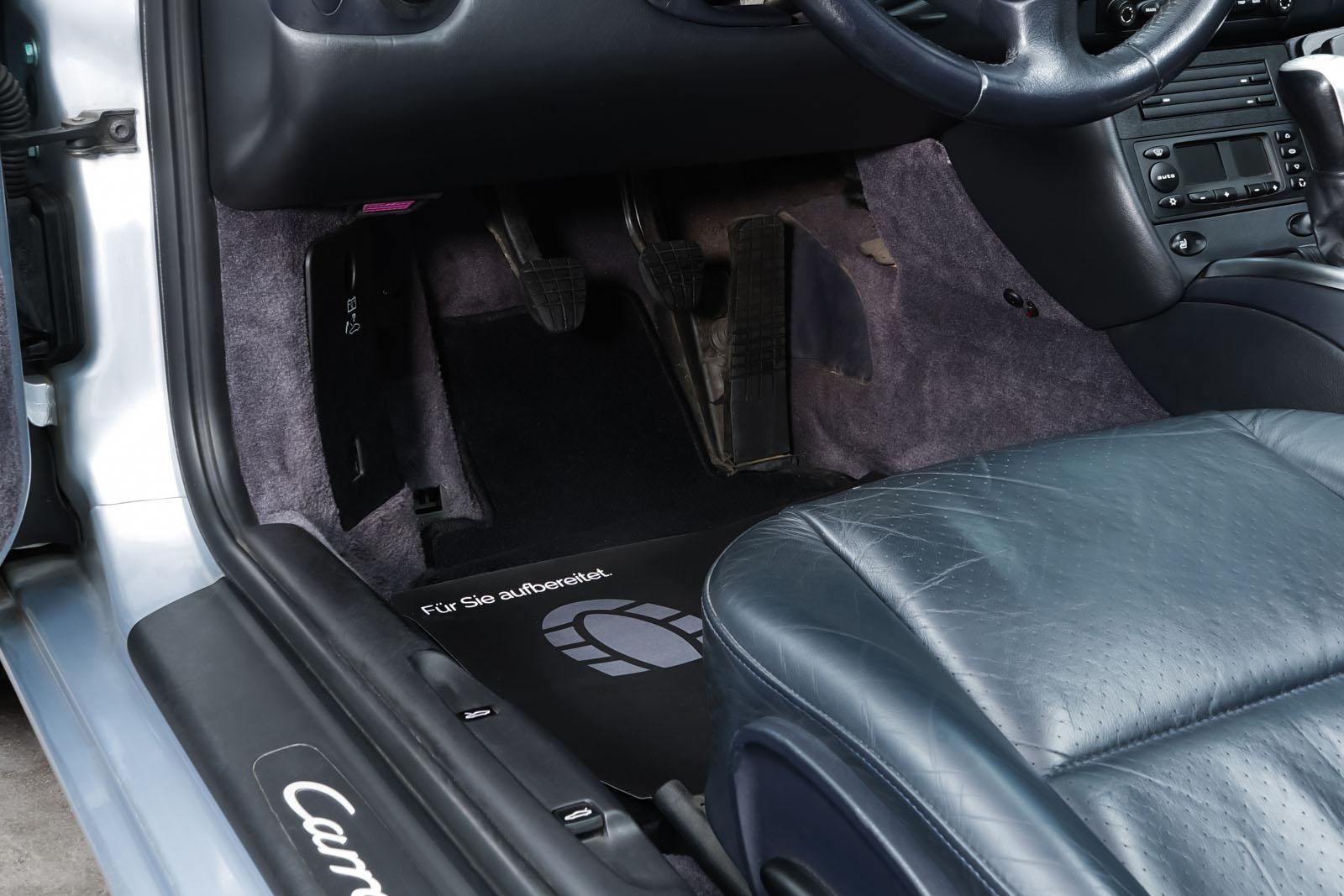 Porsche_996_Cabrio_Silber_Dunkelblau_POR-1724_9_w
