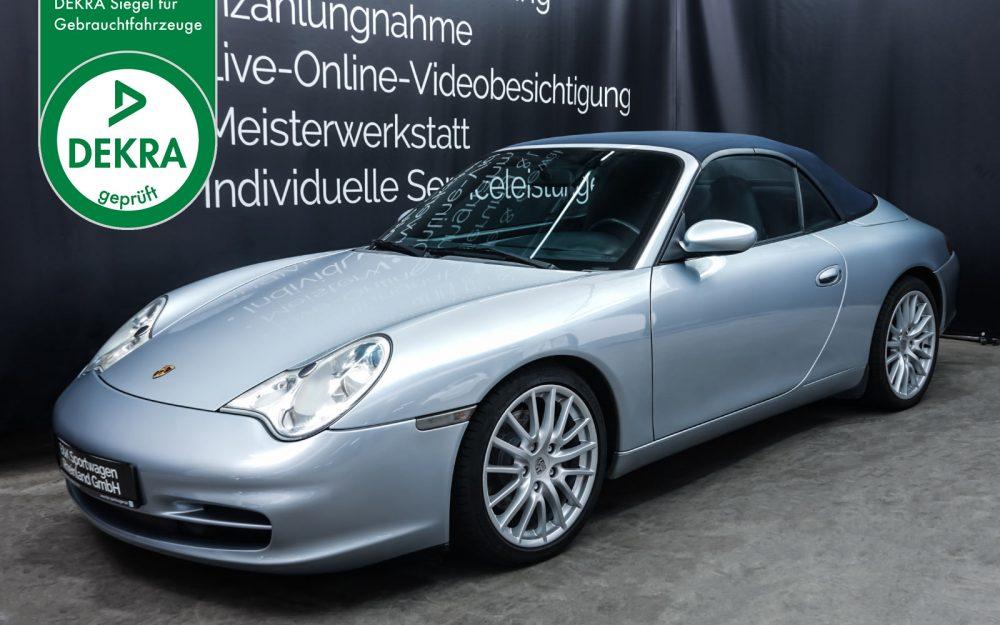 Porsche_996_Cabrio_Silber_Dunkelblau_POR-1724_Plakette_w