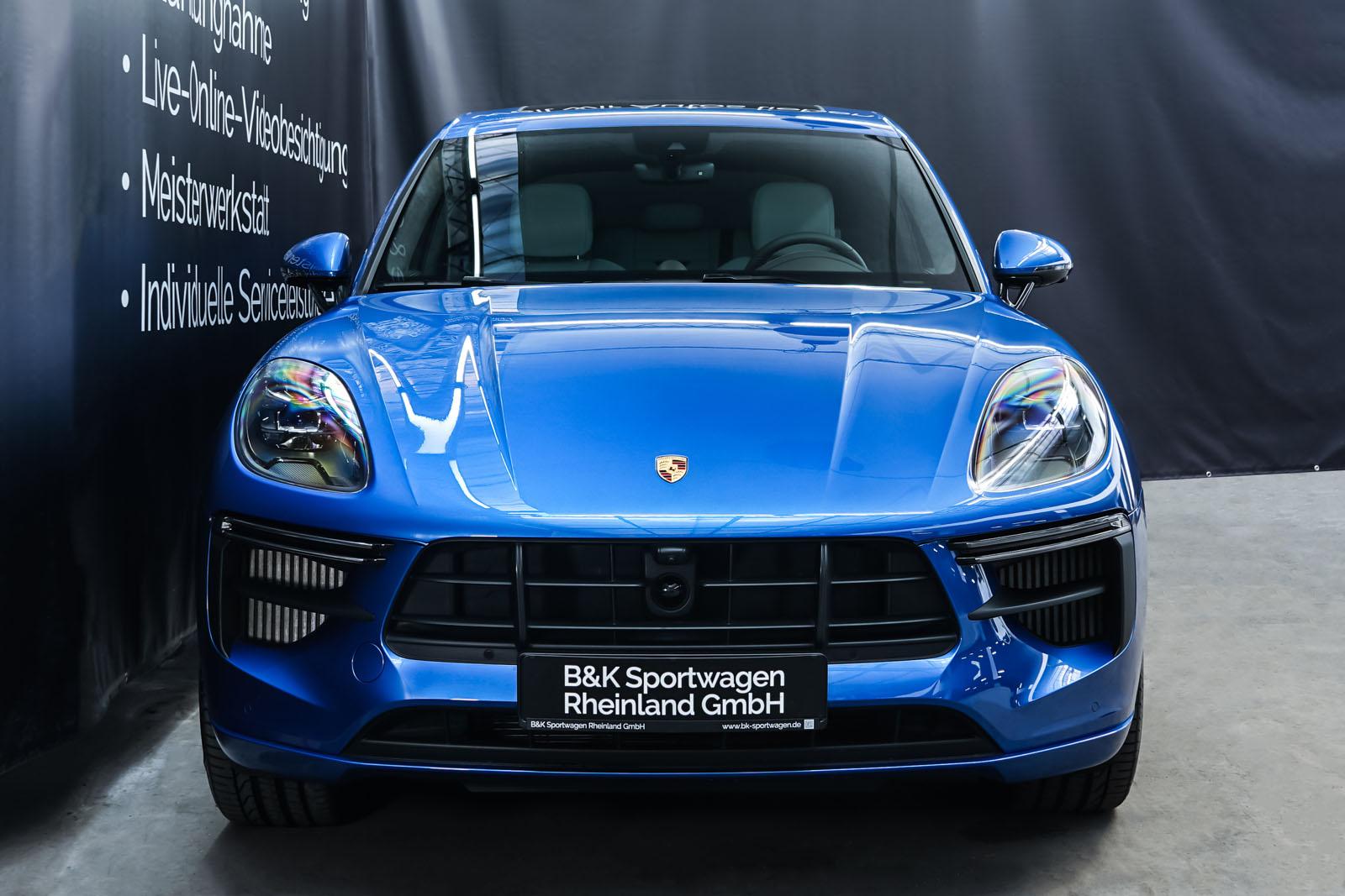 Porsche_Macan_Turbo_Blau_Weiß_POR-2038_1_w