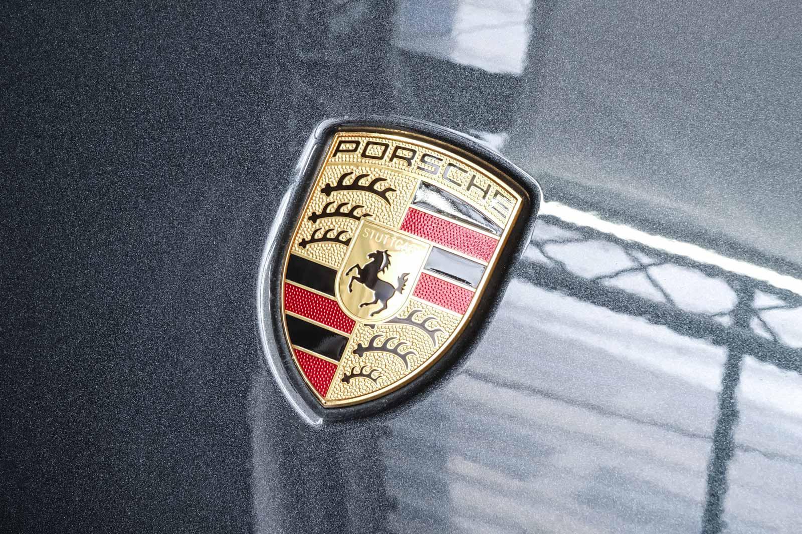 Porsche_Macan_GTS_Dunkelgrau_Schwarz_POR-8174_12_w