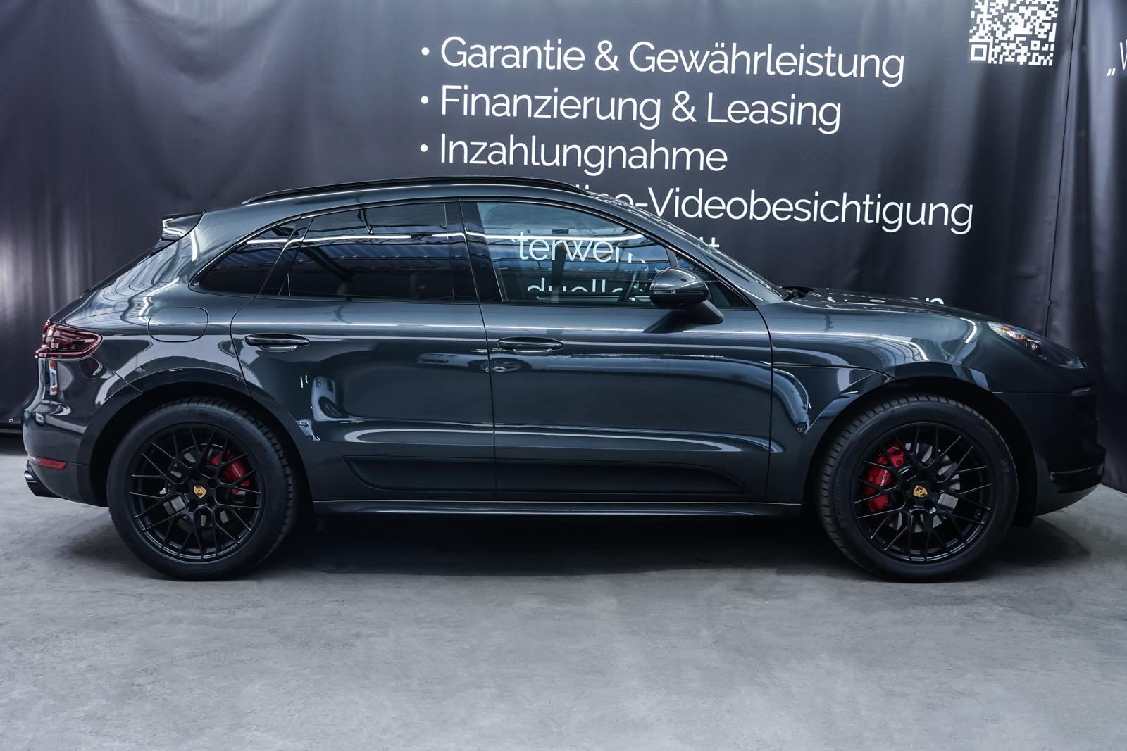 Porsche_Macan_GTS_Dunkelgrau_Schwarz_POR-8174_15_w