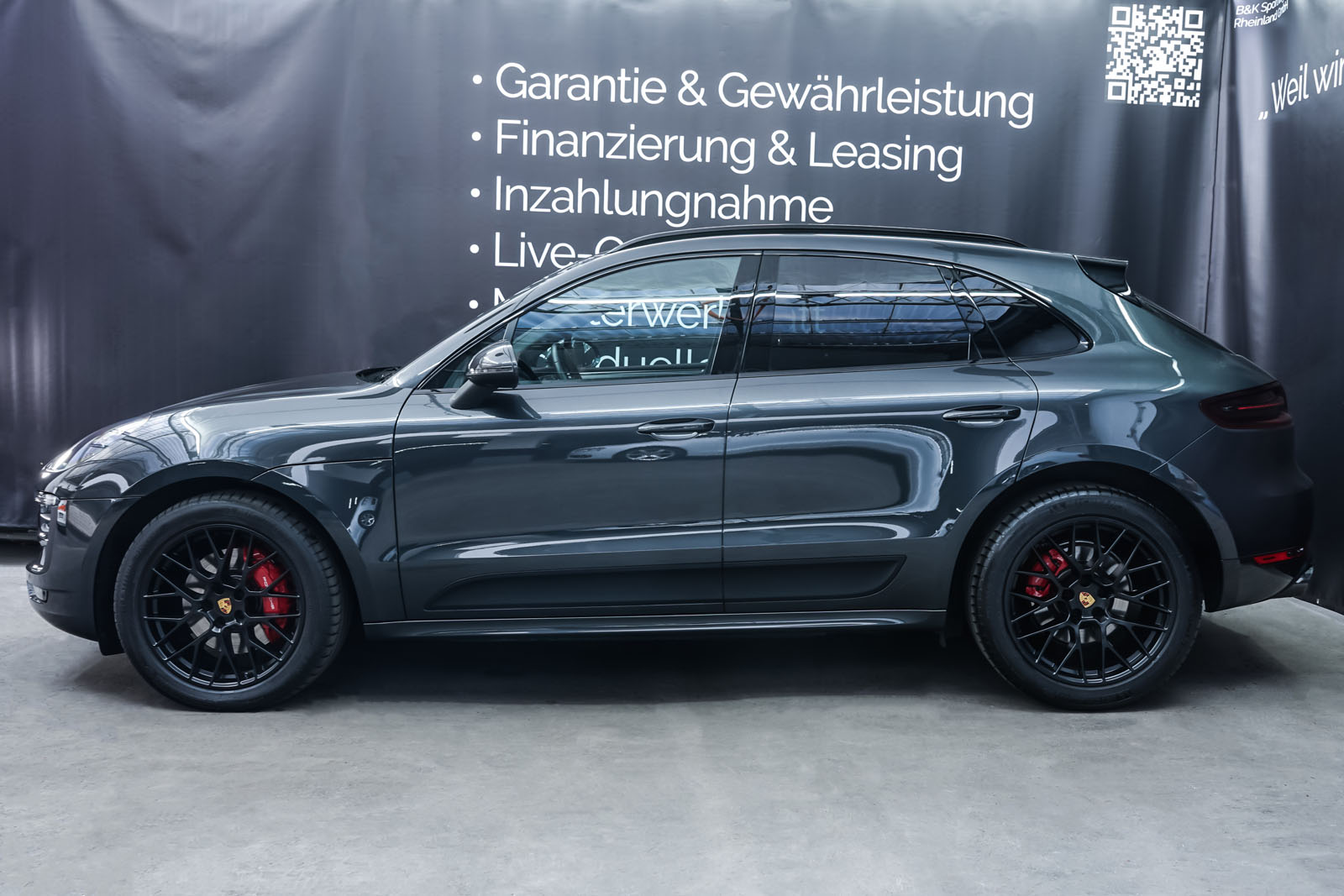 Porsche_Macan_GTS_Dunkelgrau_Schwarz_POR-8174_5_w