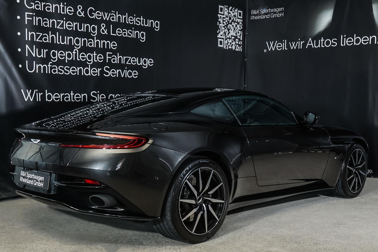 Aston-Martin_DB11_CeramicBlack_Schwarz_AM-1916_16_w