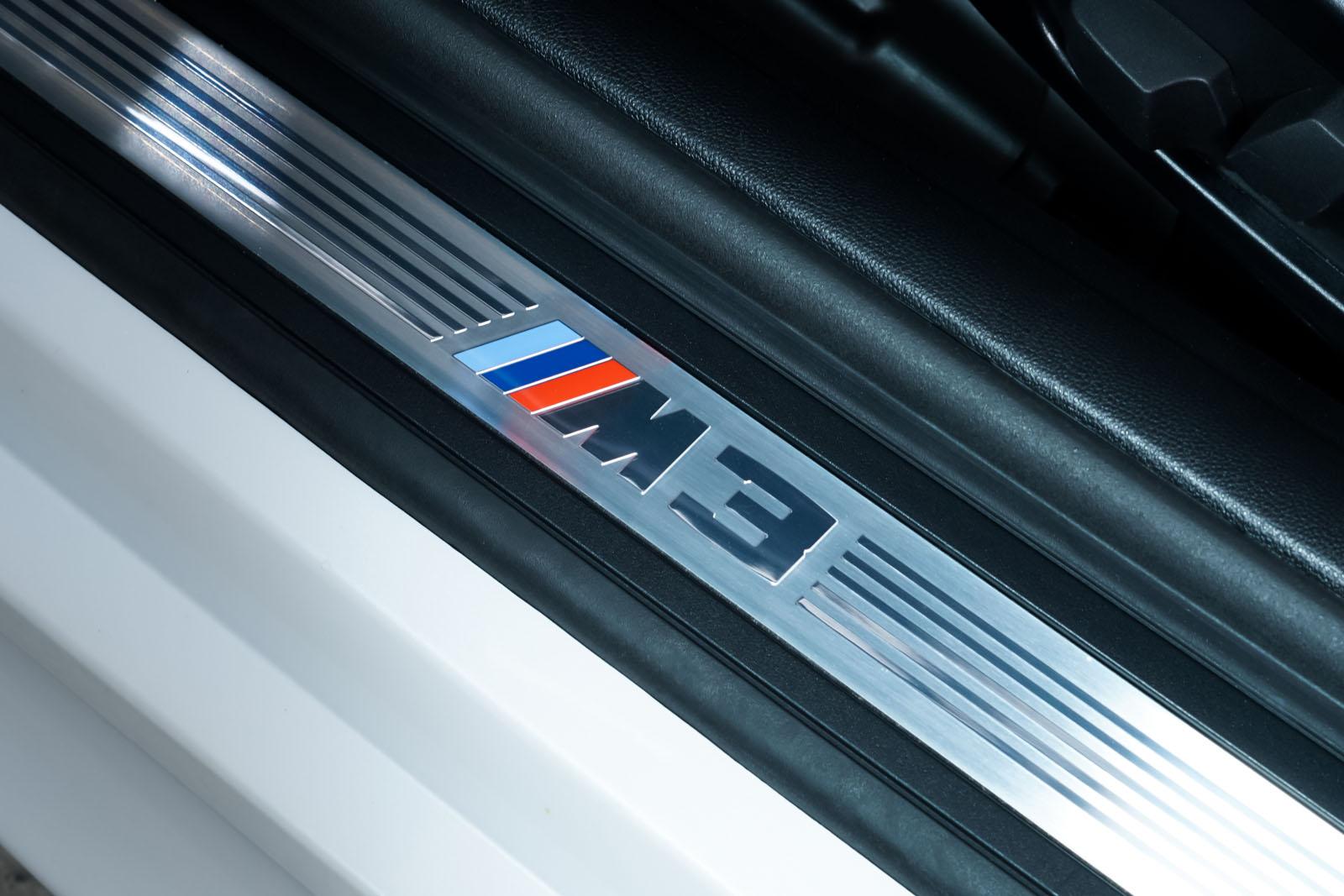 BMW_M3_Cabrio_Weiß_Schwarz_BMW-5973_10_w