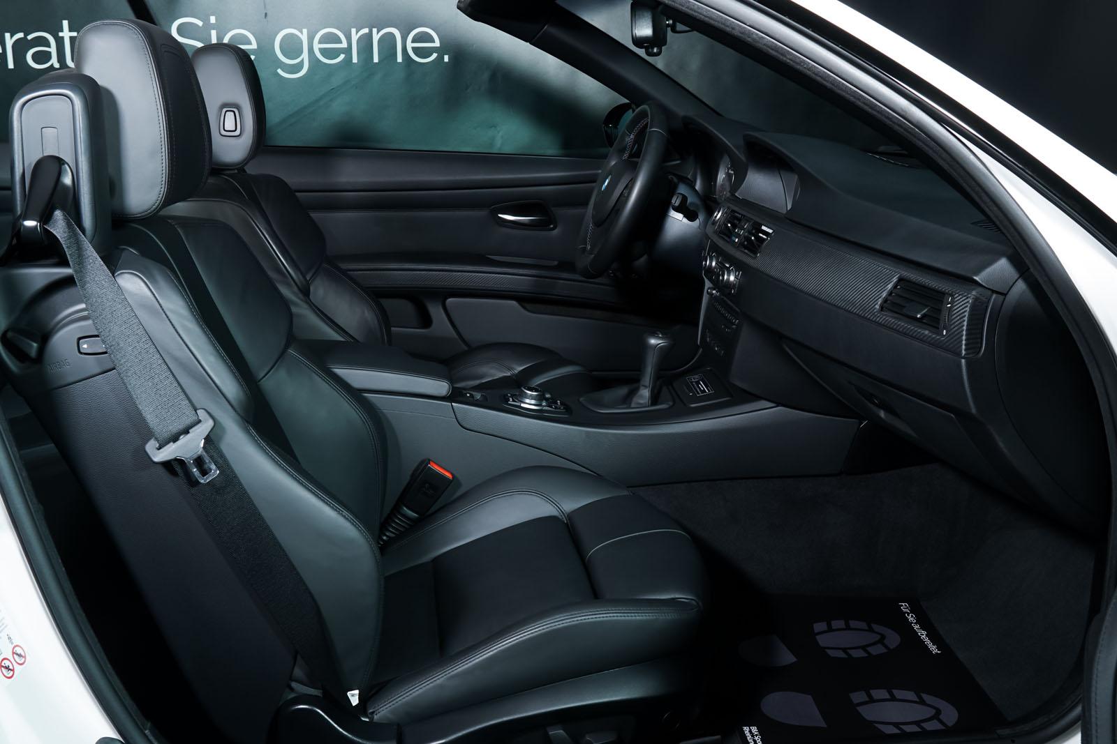 BMW_M3_Cabrio_Weiß_Schwarz_BMW-5973_19_w