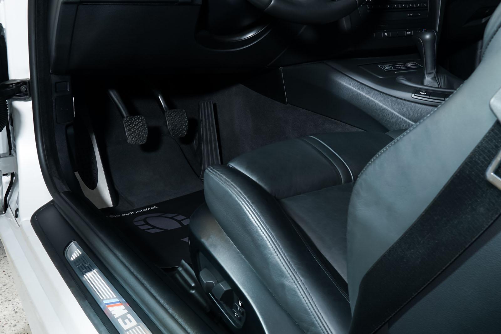 BMW_M3_Cabrio_Weiß_Schwarz_BMW-5973_9_w