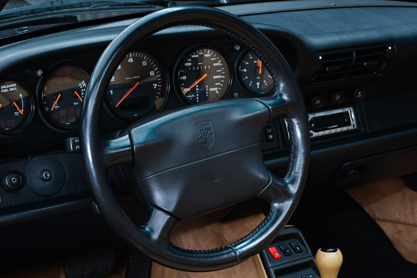 Porsche_993_C2_Cabrio_Black_Beige_POR-0137_10_w