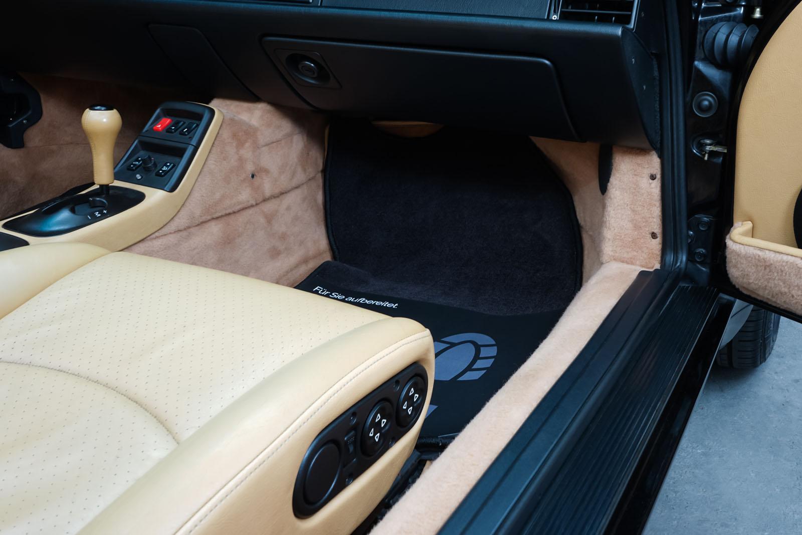 Porsche_993_C2_Cabrio_Black_Beige_POR-0137_15_w