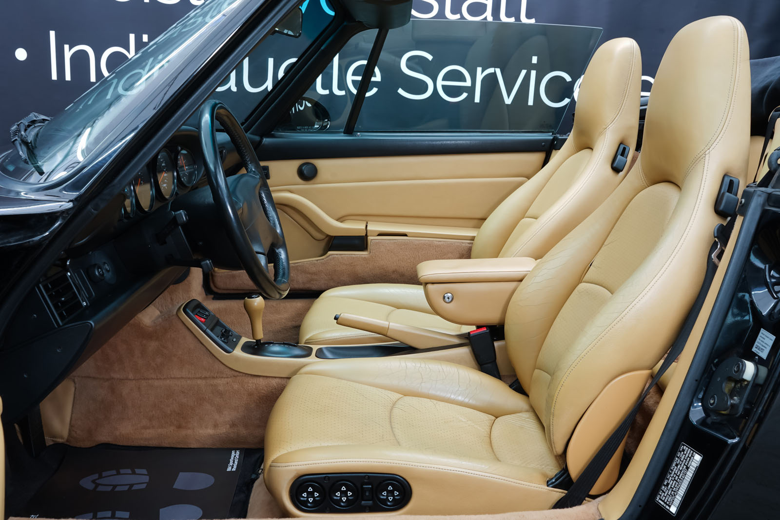 Porsche_993_C2_Cabrio_Black_Beige_POR-0137_8_w