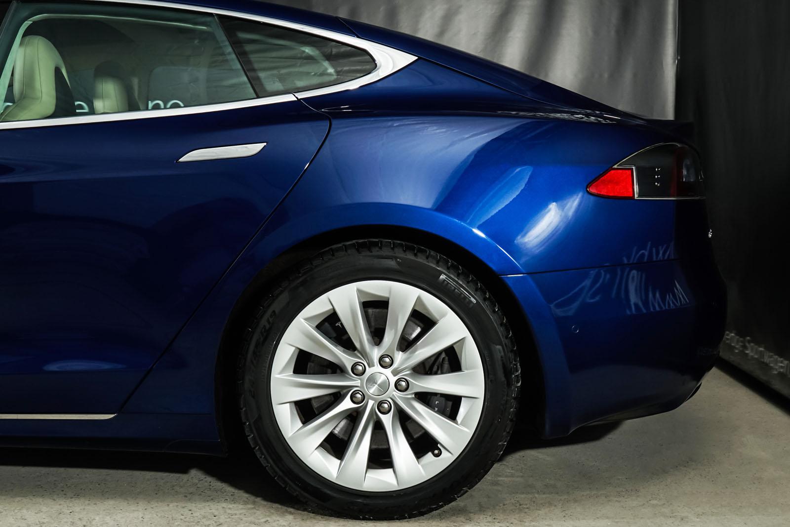 Tesla_ModelS_90D_Blau_Beige_TES-5091_4_w