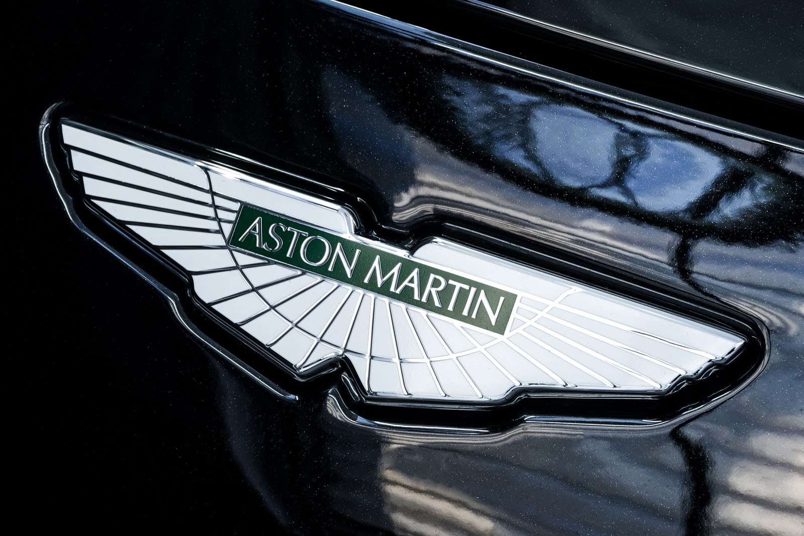 AstonMartin_V8_Vantage_Schwarz_Schwarz_AM-1849_11_w