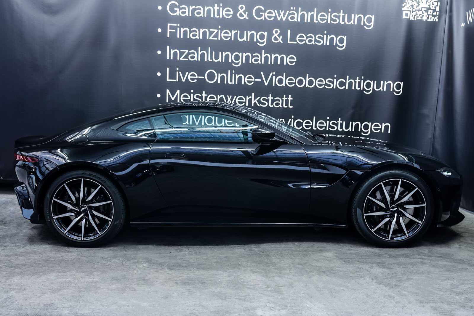 AstonMartin_V8_Vantage_Schwarz_Schwarz_AM-1849_14_w