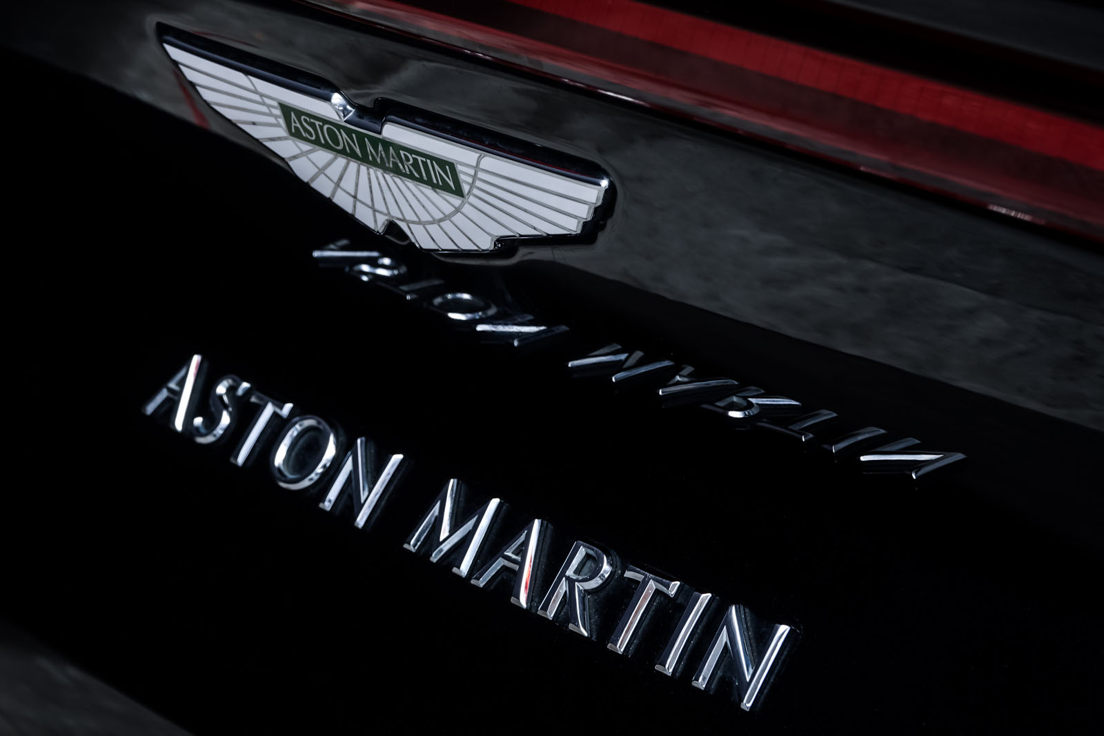 AstonMartin_V8_Vantage_Schwarz_Schwarz_AM-1849_20_w